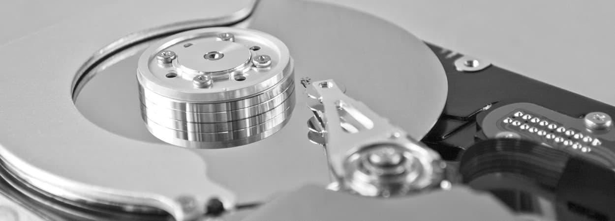Cómo reemplazar un disco duro y reinstalar un sistema operativo